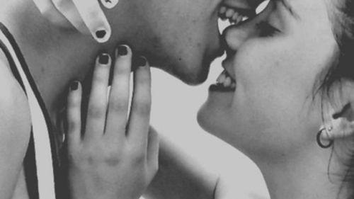 Ti auguro qualcuno che ti svegli con un bacio la mattina del giorno del tuo compleanno.