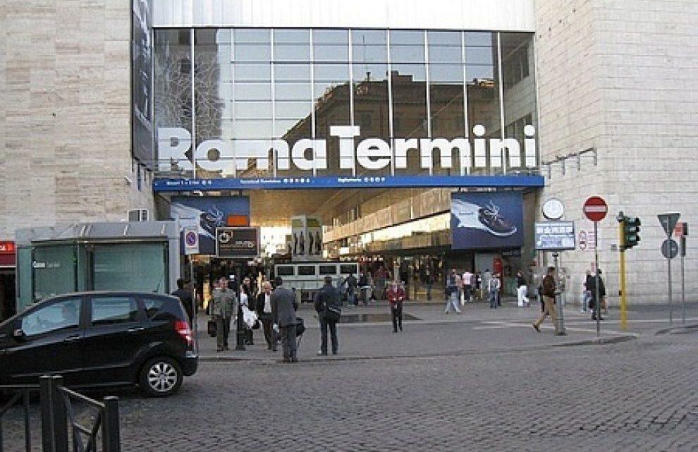 Palpeggiava donne fuori la stazione Termini arrestato 26 enne 2