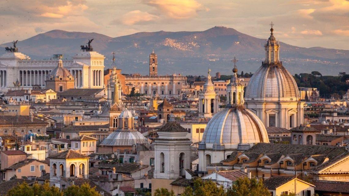 Mai più bangla e kebabbari al centro di Roma si cambia registro